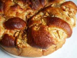 Apple challah