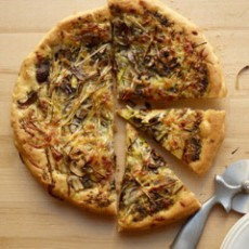 Leek-Mushroom-Pesto-Pizza