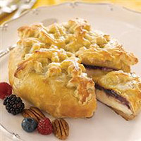 berry-baked-brie