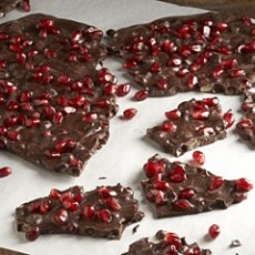 chocolate-pomegranate-bark-recipe