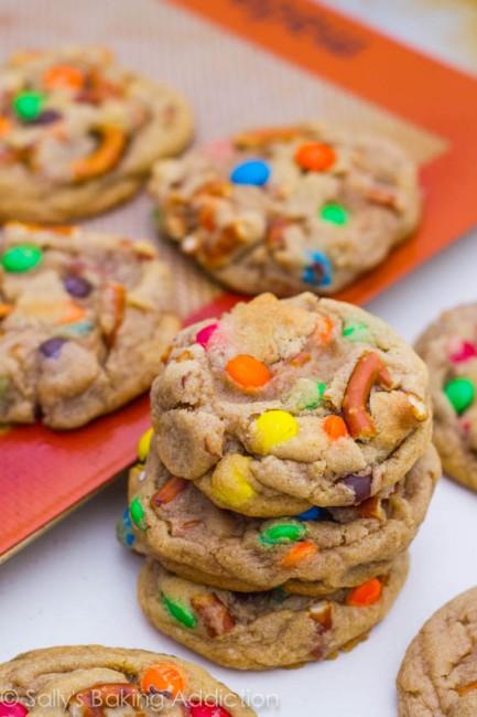 Brown-Butter-Pretzel-MM-Cookies-23