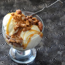 Salted-Caramel-Sundaes